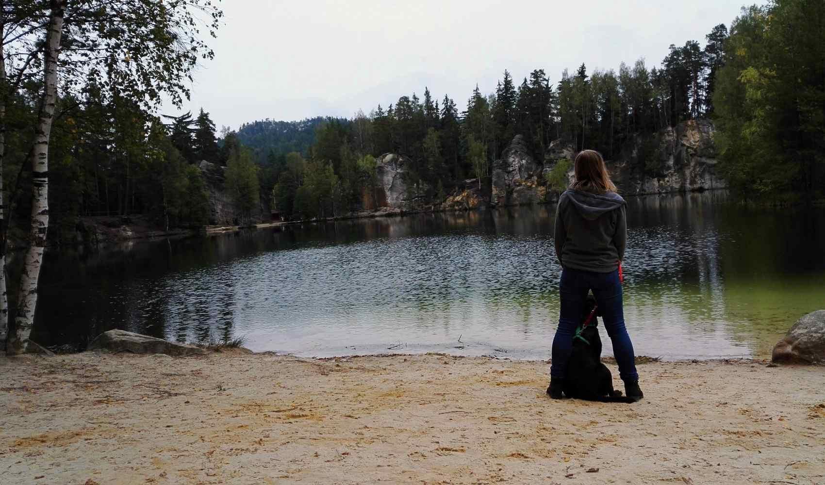 Ja i Jussi nad jeziorkiem w dawnej piaskowni