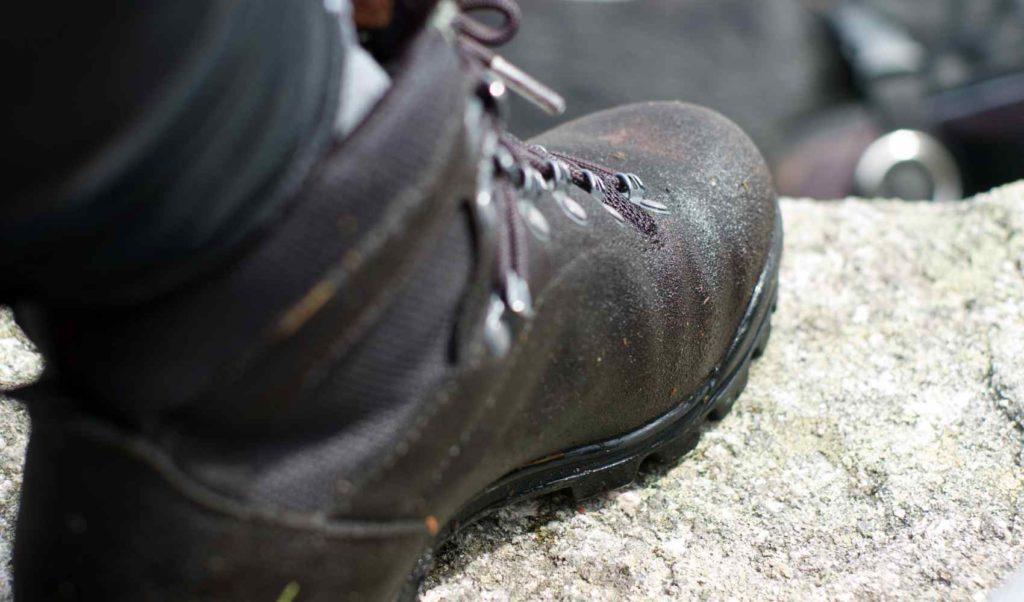przykład niezaimpregnowanych butów